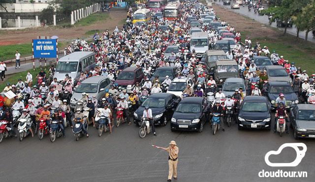 Từ 10/10/2015 những người có thị lực dưới 4/10 không được lái xe máy