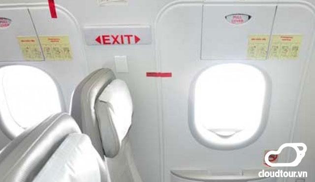 Hành khách của Jetstar Pacific tự ý mở cửa thoát hiểm trên máy bay